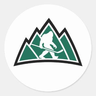 "Hockey 3"" de Sasquatch autocollant rond (feuille"