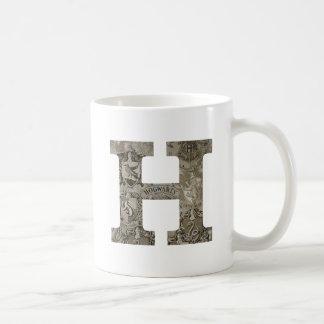HOGWARTS™ H MUG