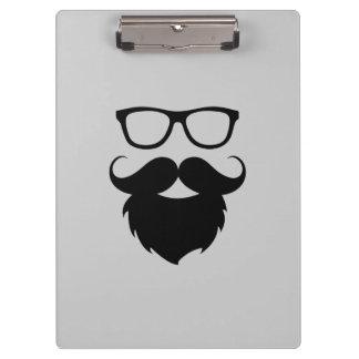 Homme drôle adulte de barbe