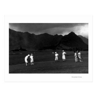 Honolulu, Hawaï - golfeurs jouant au pays Cartes Postales