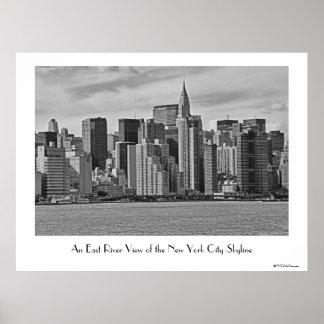Horizon de New York City de l'East River B&W