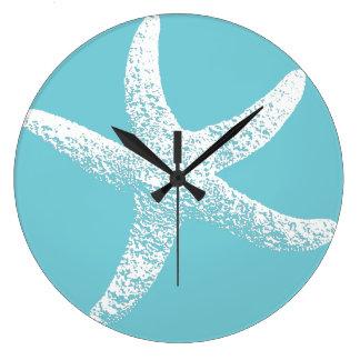 Horloge bleue et blanche d'étoiles de mer