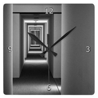 Horloge Carrée Beaux-arts abstraits d'architecture