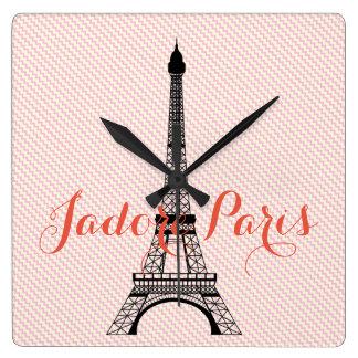 Horloge Carrée Chevron blanc rose de Paris de Tour Eiffel