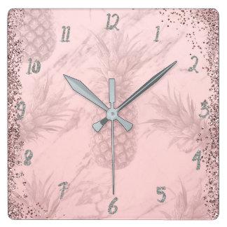 Horloge Carrée Chic tropical d'ananas de parties scintillantes