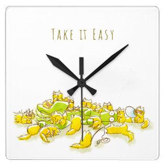 Horloge Carrée Chien et plein de l'illustration drôle de chats