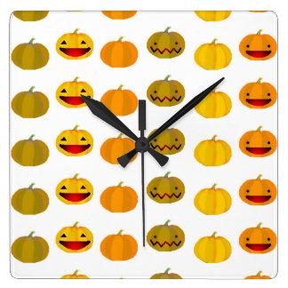 Horloge Carrée Citrouilles jaunes