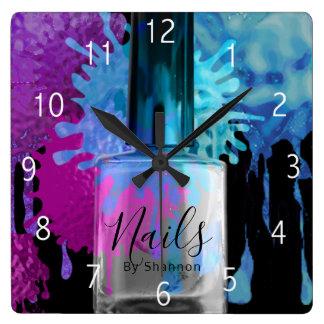 Horloge Carrée Clouez la conception colorée d'éclaboussure de
