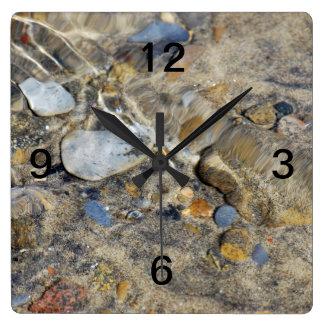 """Horloge Carrée Collection de """"reflux et d'écoulement"""""""