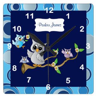 Horloge Carrée Conception de crèche du hibou | de bébé gris et