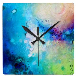 Horloge carrée décorative colorée