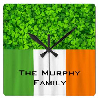 Horloge Carrée Drapeau irlandais Irlande de vert de trèfles de