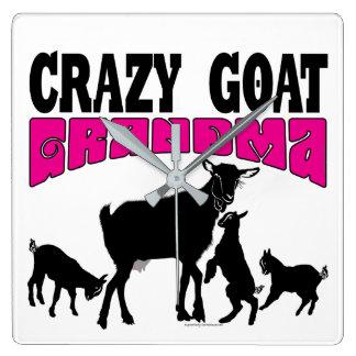 Horloge Carrée Grand-maman folle drôle de chèvre de la FAMILLE |