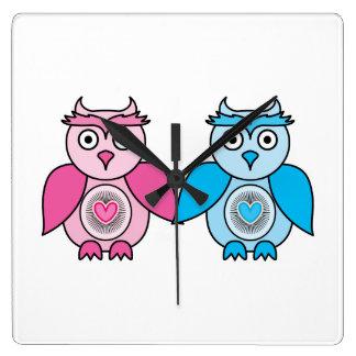 Horloge Carrée Hiboux de Valentines de Kawaii