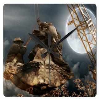 Horloge Carrée Hommes de grutier d'imaginaire dans la nuit de