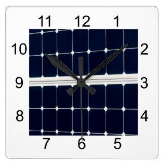 Horloge Carrée Image de panneau d'énergie solaire