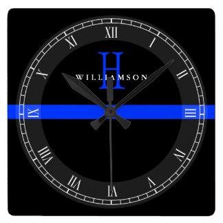 Horloge Carrée La police amincit le monogramme de coutume de Blue