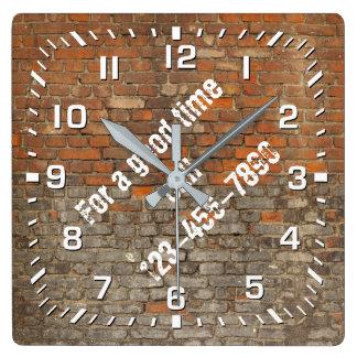 Horloge Carrée Les briques portées par graffiti personnalisent
