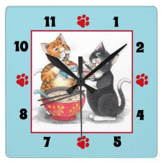 Horloge Carrée Les chats mangeant des nouilles ajustent l'horloge