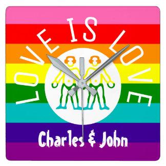 Horloge Carrée Logo gai d'arc-en-ciel de la fierté LGBT de