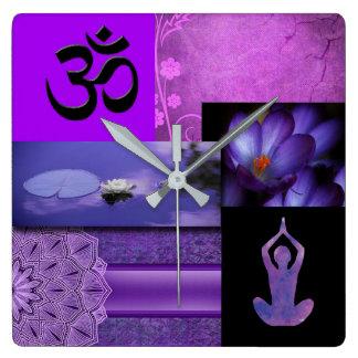 Horloge Carrée Lotus pourpre et collage de méditation de Chakra
