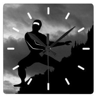 Horloge Carrée Ninja