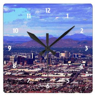 Horloge Carrée Phoenix, Arizona Skycape pendant la journée