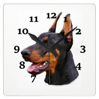 Horloge Carrée Pinscher de dobermann