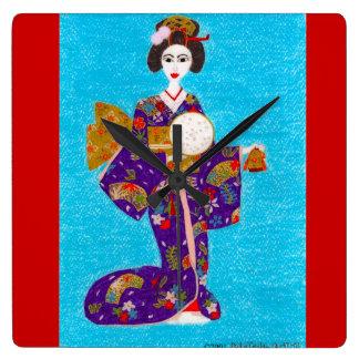 Horloge Carrée Poupée de geisha