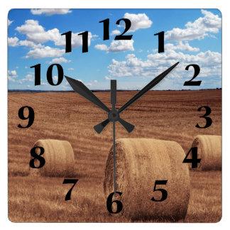 Horloge Carrée Récolte de balles de foin