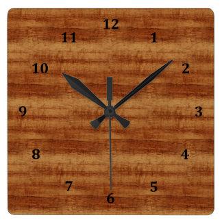 Horloge Carrée Regard du bois de grain d'acacia bouclé de Koa