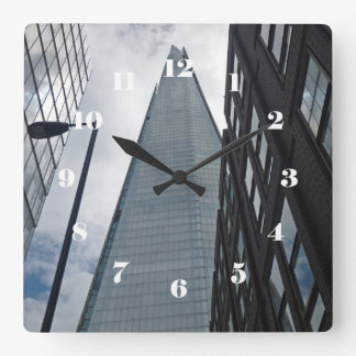 Horloge Carrée Regardant la rue de Tooley, Londres