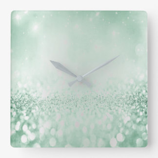 Horloge Carrée Vert métallique minimal de Cali de gris argenté de