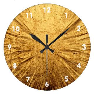 Horloge criquée d'or