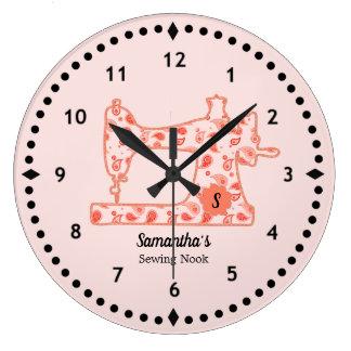 Horloge de machine à coudre de Paisley de pêche