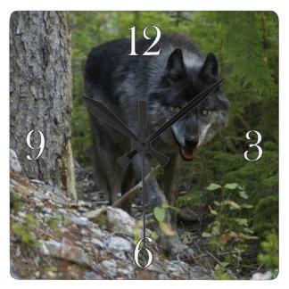 Horloge de photo de loup de bois de construction