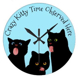 Horloge folle de chat de temps de Kitty