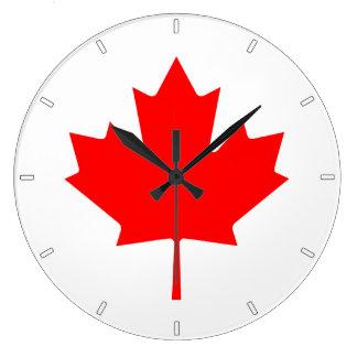 Horloge murale canadienne de feuille d'érable de