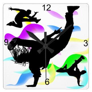 Horloge murale carrée de B-boying