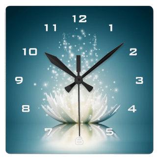 Horloge murale de magie de Lotus blanc