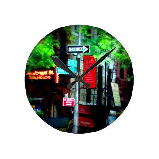 Horloge murale de rues de ville