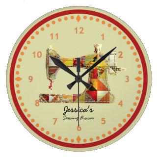 Horloge murale ensoleillée de pièce de couture