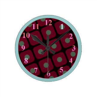Horloge murale moyenne de tarte aux cerises par