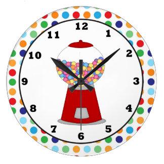 Horloge murale rouge de machine de Gumball