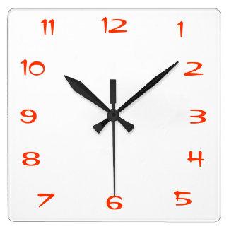 Horloge murale rouge et blanche de cuisine de Plai