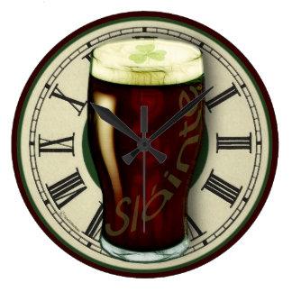 Horloge murale vaillante irlandaise drôle