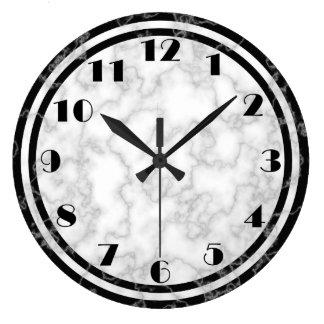 Horloge noire et blanche d'art déco
