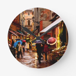 Horloge Ronde Achat sous la pluie