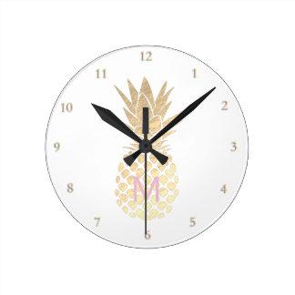 Horloge Ronde ananas d'or girly de monogramme
