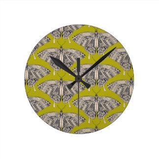 Horloge Ronde basalte de cédrat de papillon de machaon